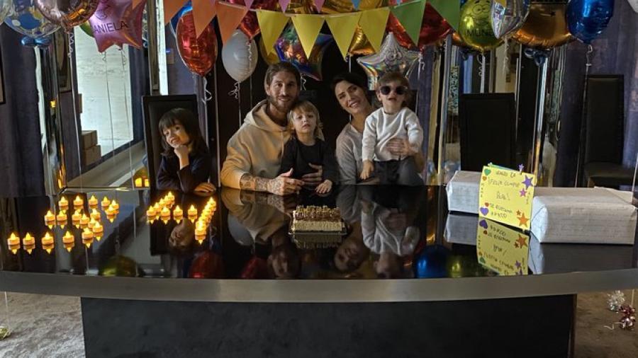 Sergio Ramos celebra sus 34 años en casa con su familia