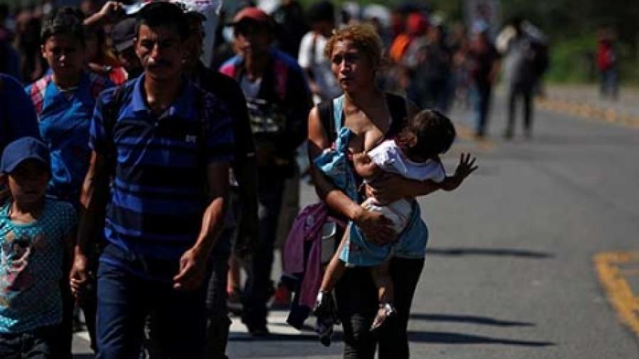 Suspenden orden que impedía a Trump enviar migrantes a México