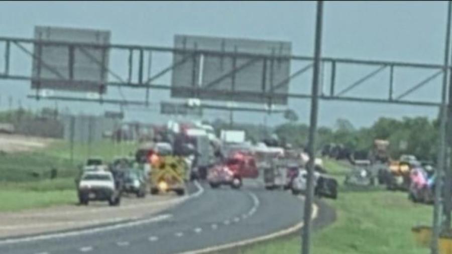 Accidente en Texas deja 5 muertos y 7 heridos
