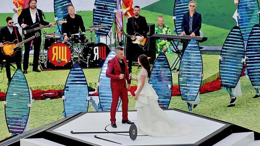El gran dueto de Robbie Williams y Aida Garifullina en la apertura del Mundial