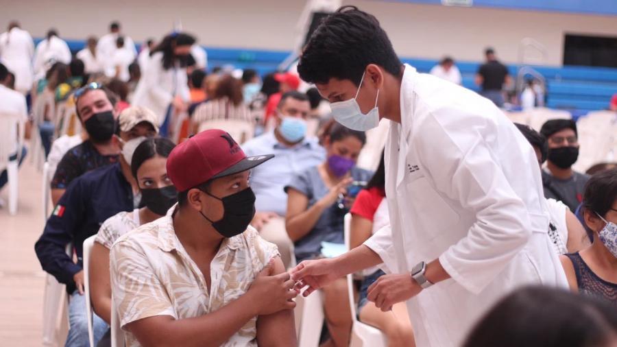 Responden a vacunación más de 300 mil jóvenes en Tamaulipas