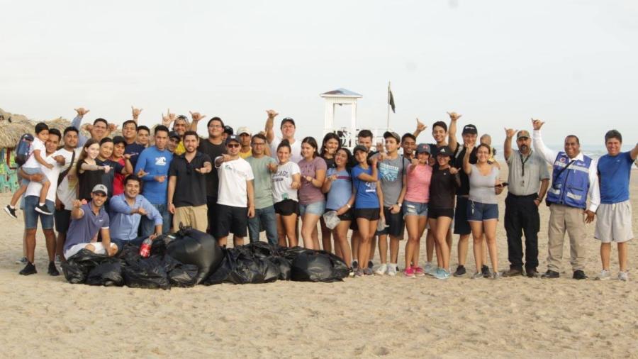 Jóvenes Tamaulipas lleva a cabo jornada de limpieza en playa Miramar