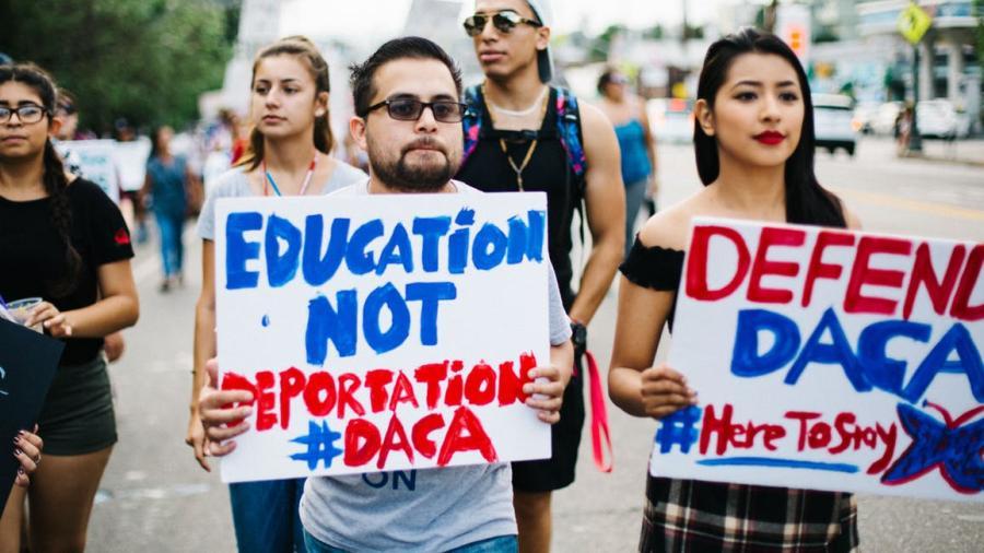 Corte ordena a Trump mantener el programa DACA