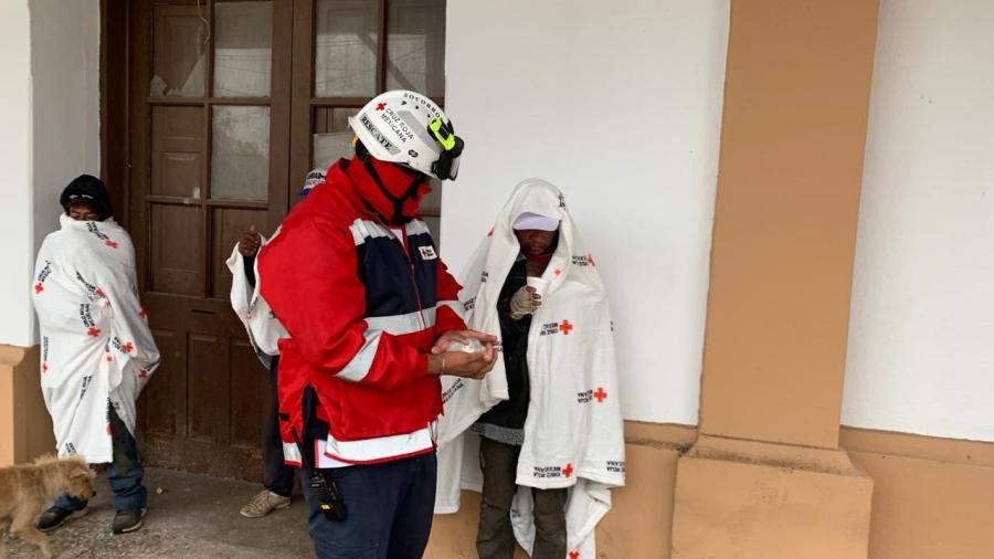 Apoya Cruz Roja y DIF Tam a personas vulnerables durante bajas temperaturas