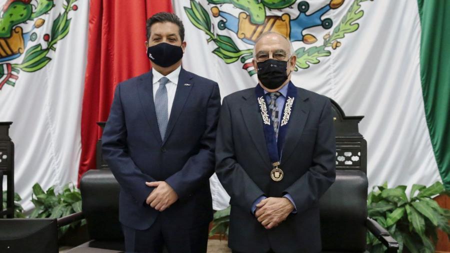 """Entregan la medalla al mérito """"Luis García de Arellano"""""""