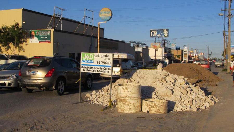 Aumentan quejas por caídos y aguas negras en Matamoros