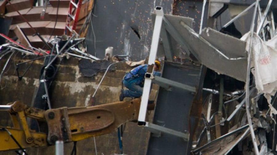Deja al menos siete muertos y 13 heridos deja derrumbe de edificios en China