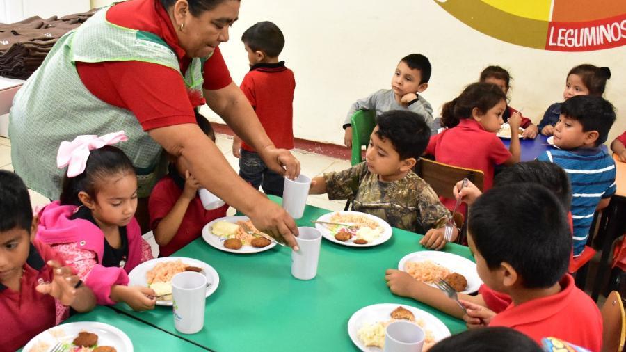 Beneficia DIF Reynosa a 12 mil 506 alumnos diariamente con desayunos escolares