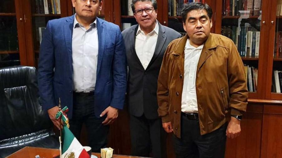 Barbosa y Armenta logran reunión con Monreal