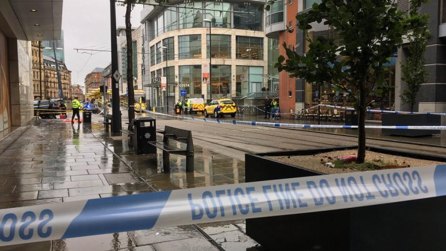 Apuñalan a cinco personas en Manchester