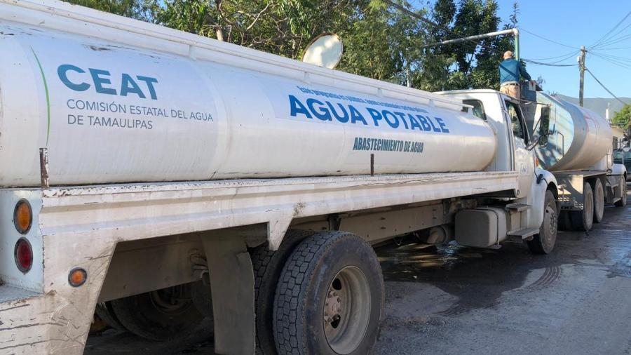 Ante megacorte de agua pipas abastecen a Victoria