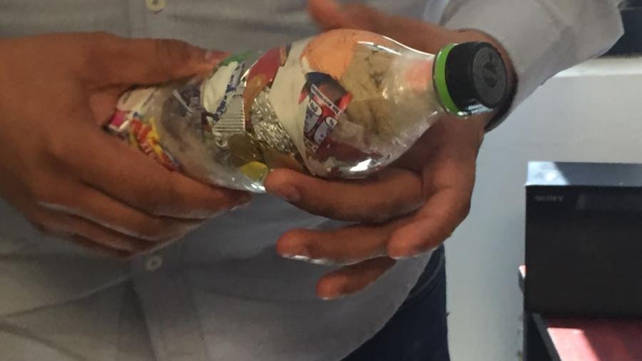 Realizan proyectos utilizando botellas de plástico para la construcción
