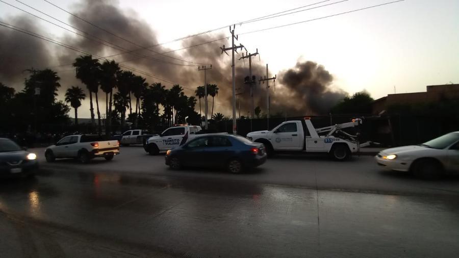 Abaten incendio tras casi 24 horas de maniobras en planta maquiladora