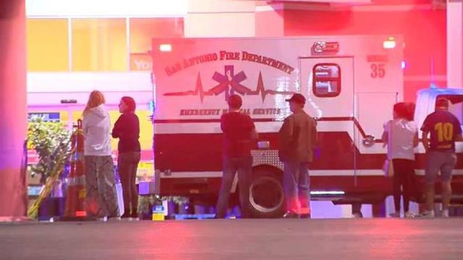 Guardia de seguridad es baleado en súper mercado de San Antonio