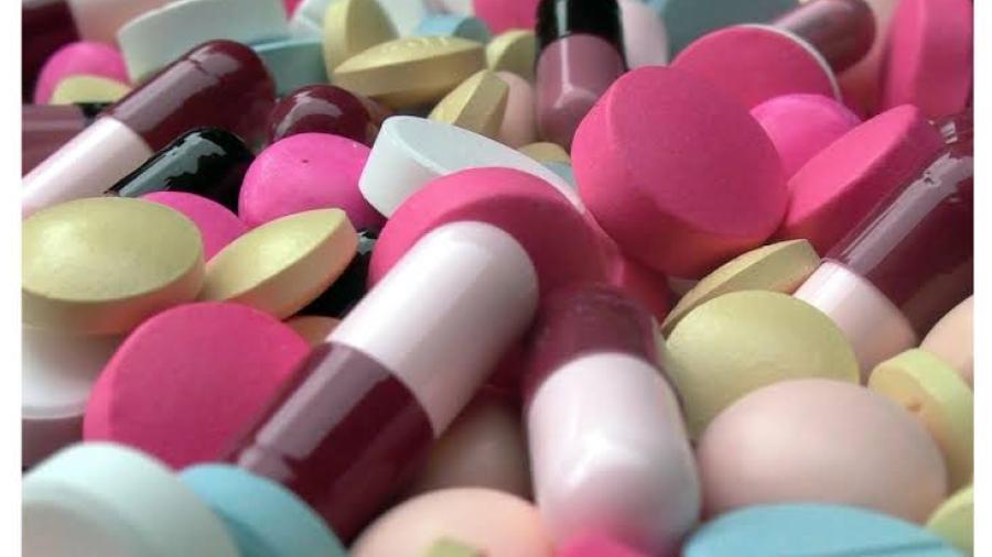 EU anuncia trato para compra de píldora contra COVID-19