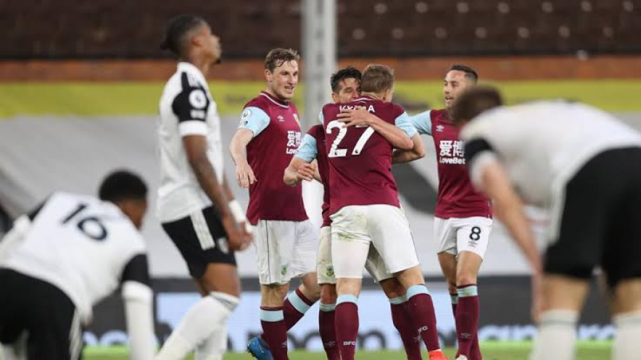 Fulham desciende tras perder contra el Burnley