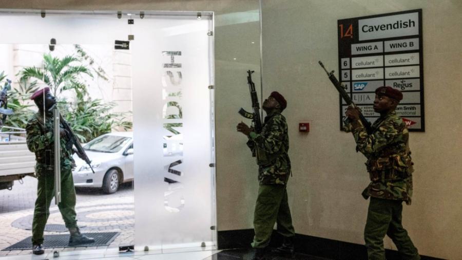 21 muertos por ataque a complejo hotelero en Kenia