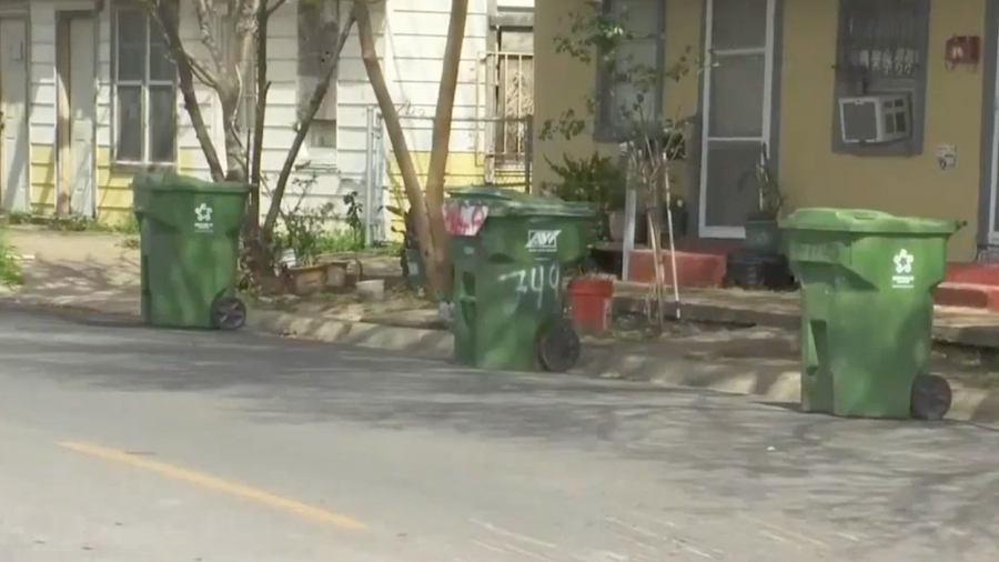 Prohiben en Brownsville cobrar estacionamiento en via publica