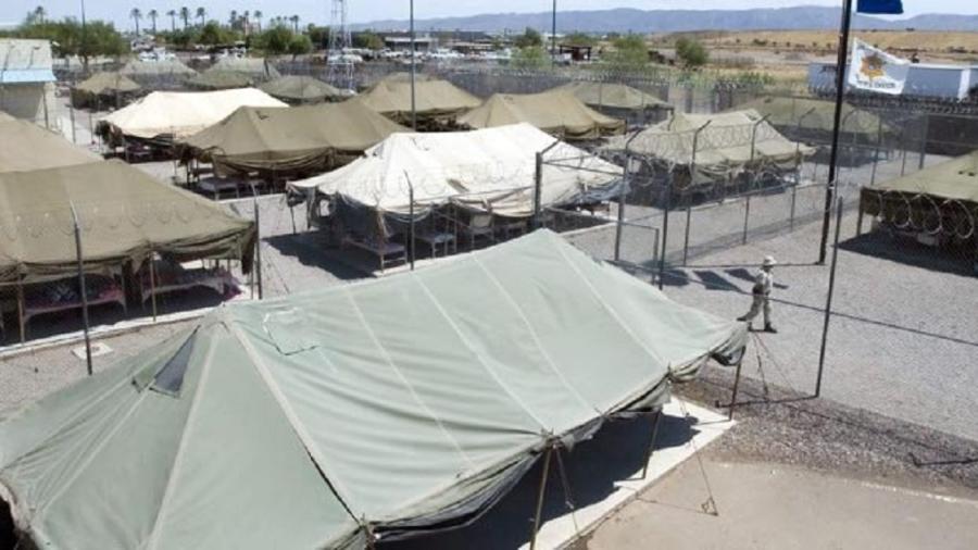 Asignan dos nuevas carpas para migrantes en Texas