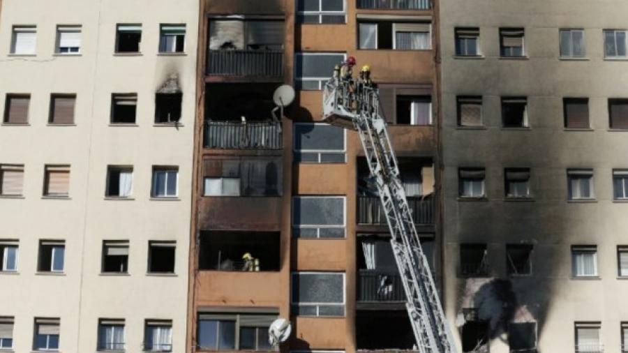 Tres muertos y 16 heridos por incendio en España