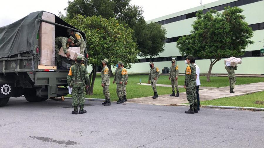 Recibe Cuartel Militar insumos para unidades médicas