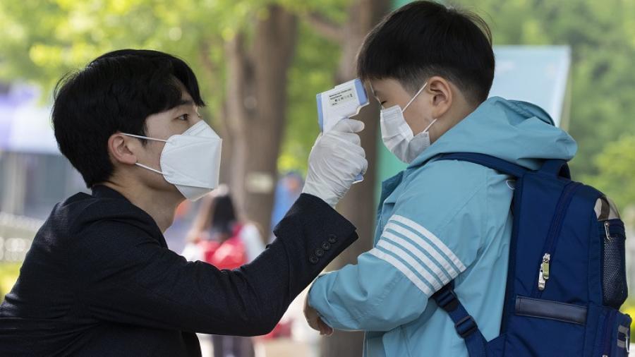 Corea del Sur enfrenta nuevas infecciones grupales de coronavirus