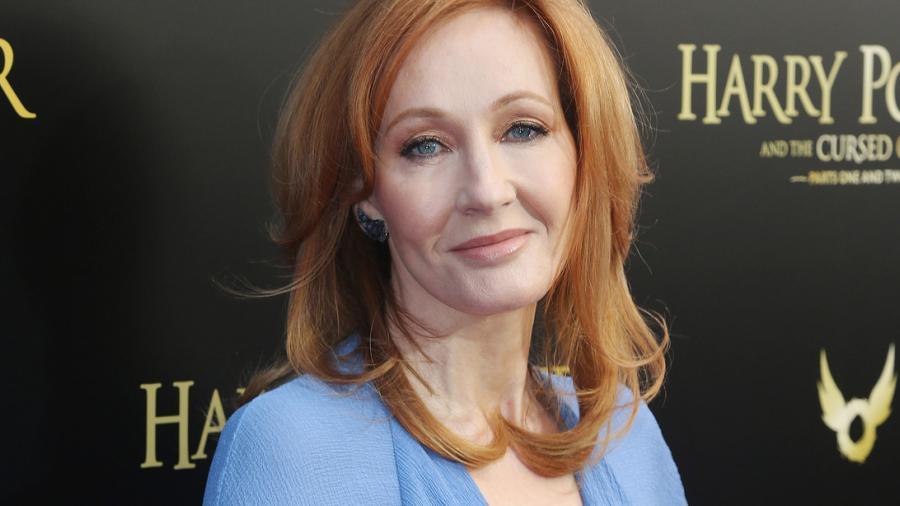 """Usuarios de Twitter rinden """"luto"""" a la carrera de J. K. Rowling"""