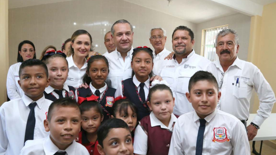 Más de 3 mil estudiantes beneficiados por Gobierno de Madero