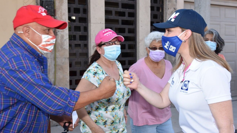"""""""Las familias como centro de mi actuar legislativo"""": Myrna Flores"""