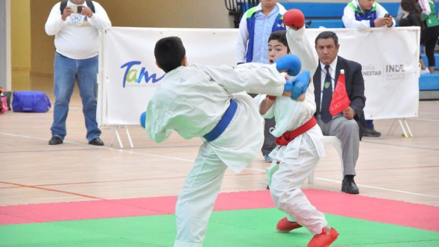 Dan a conocer seleccionados de Karate Do en la Olimpiada Estatal