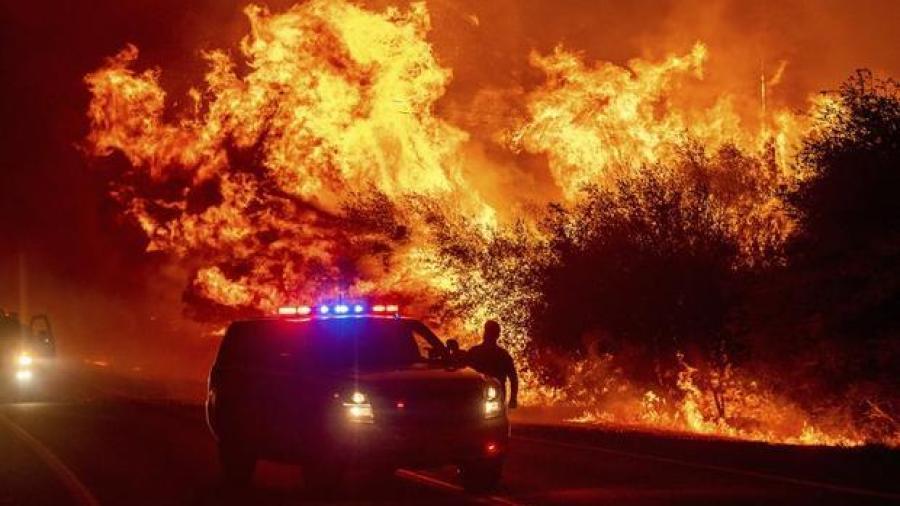 Incendios forestales dejan 3 muertos en norte de California