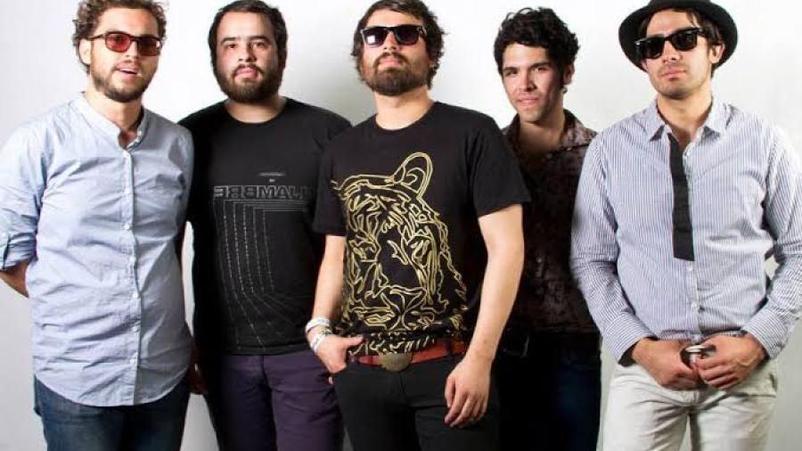 Enjambre anuncia que Javier Mejía se separa del grupo