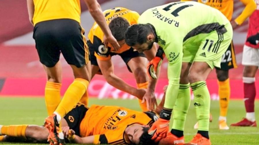 Raúl Jiménez sufrió fractura de cráneo y ya fue operado con éxito