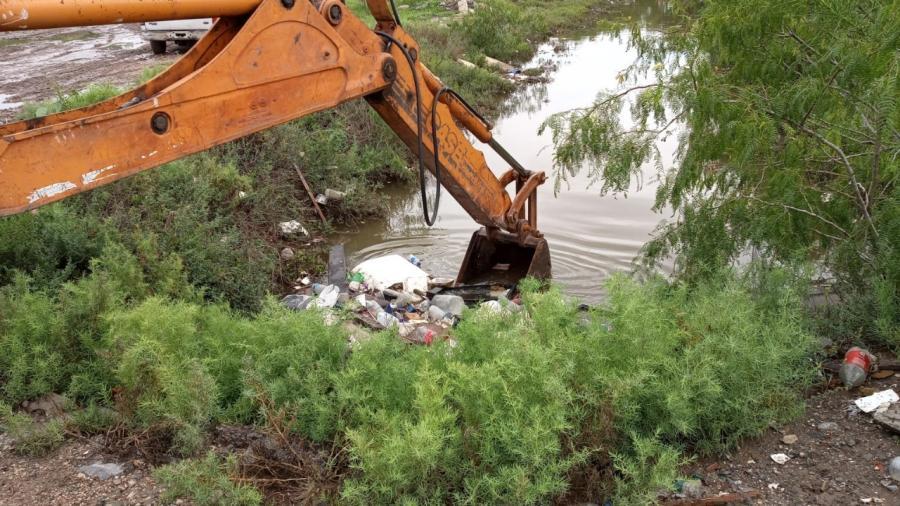 Excelente noticia la adquisición de Maquinaria Para Limpieza de Canales y Drenes por Parte del Gobierno Municipal: JAD