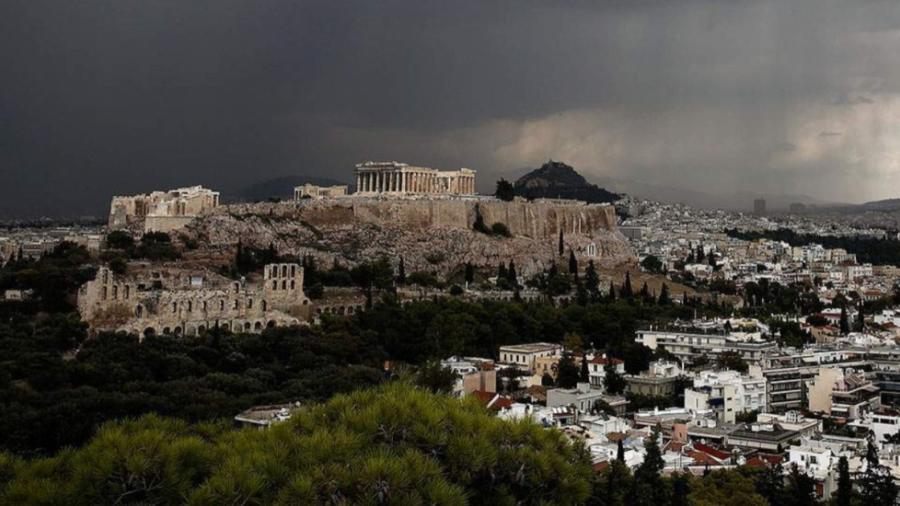 Caída de rayo en Atenas deja cuatro lesionados
