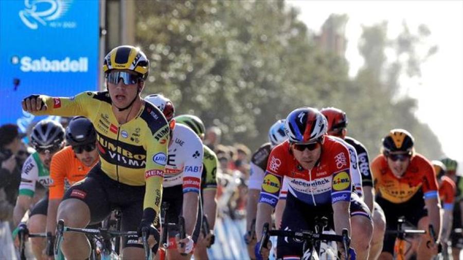 Groenewegen se lleva la primera etapa de la Vuelta a la Comunidad Valenciana