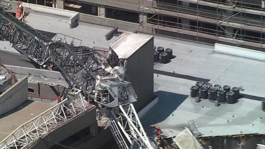 Al menos seis heridos tras caída de una grúa sobre edificio de Dallas