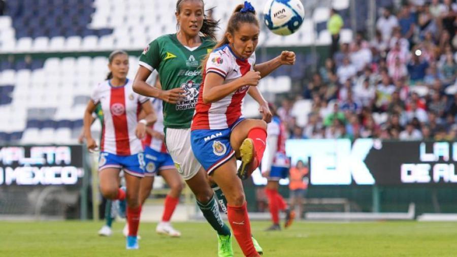 León detiene el buen paso de Chivas Femenil