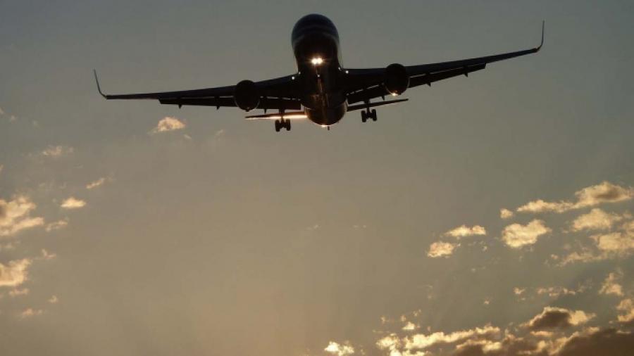 14 heridos tras turbulencia en avión