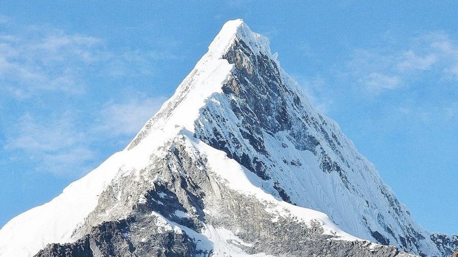 Fallecen alpinistas mexicanos en el nevado de Perú