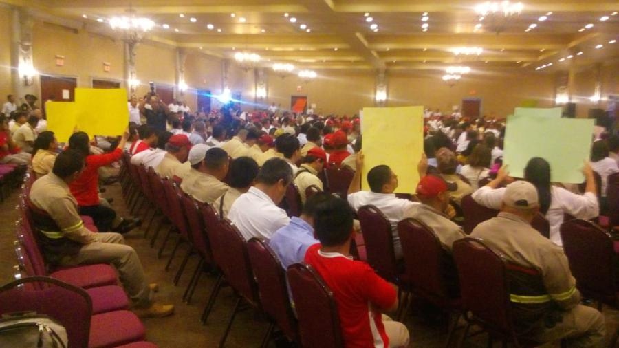 Se reúnen 500 empleados de Coca Cola Matamoros que sí quieren trabajar
