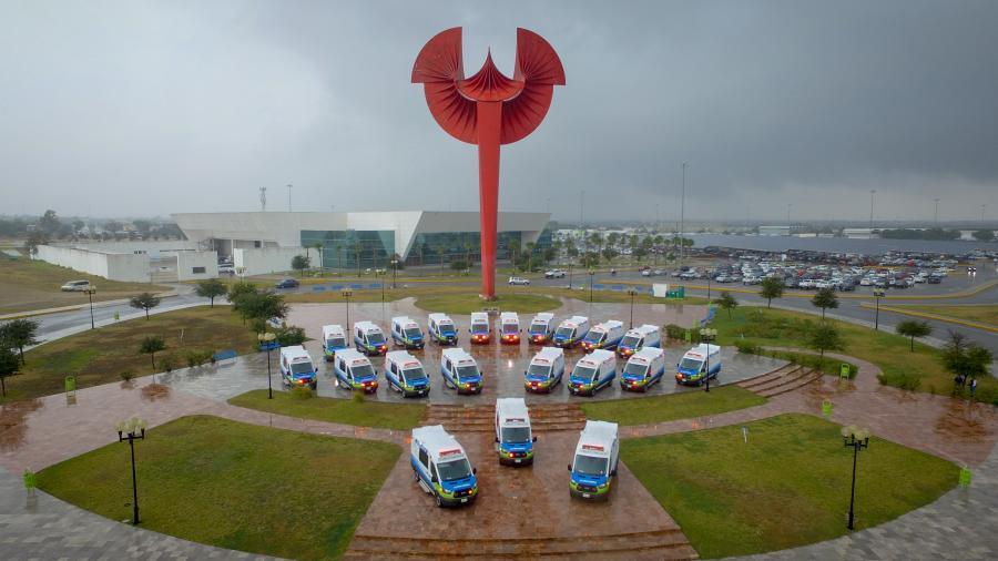 Entrega Gobernador ambulancias para fortalecer el sector salud