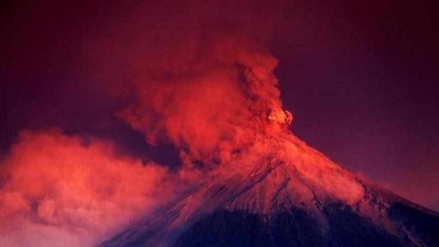 Alertan en Guatemala por erupción de volcán más activo de Centroamérica