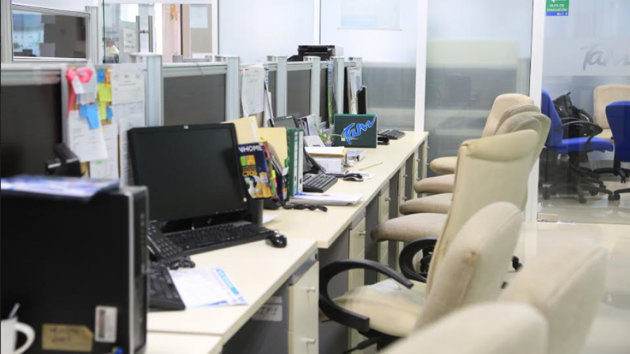 """""""Un día sin Mujeres"""" deja oficinas gubernamentales semi vacías"""