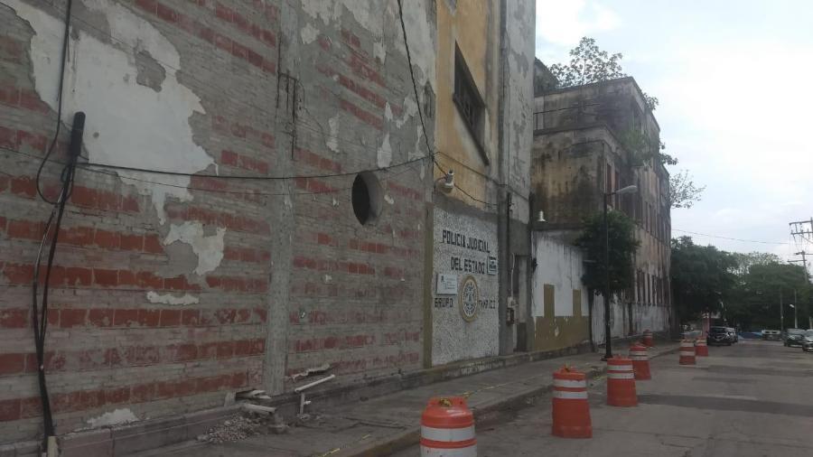Cierran calle por trabajos de prevención en el viejo hospital