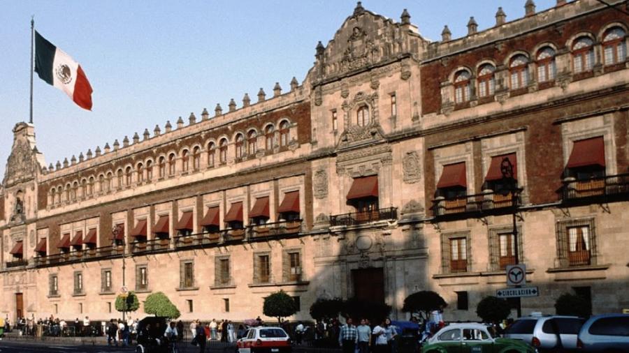 Se reunirá AMLO con gobernadores de oposición excepto con García Cabeza de Vaca y Silvano Aureoles
