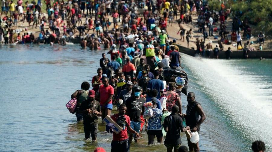 Abordan Marcelo Ebrard y Anthony Blinken crisis migratoria