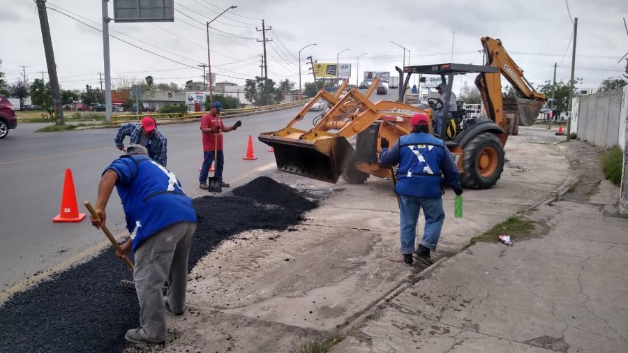 Repara Municipio carpeta asfáltica en varias colonias