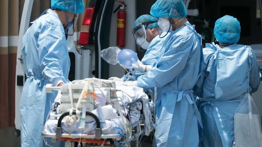 Disminuyen hospitalizaciones en Texas por COVID-19