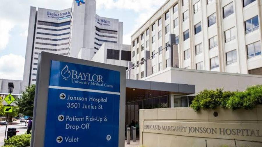 Greg Abbott ordena a hospitales posponer procedimientos no esenciales por saturación hospitalaria